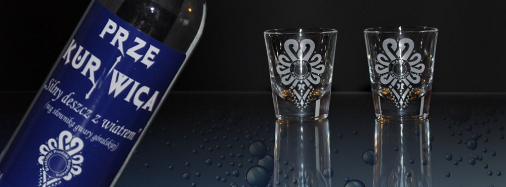 Wysokoprocentowy alkohol, kojarzący się z tradycją i wysoką jakością